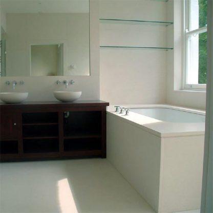Pietra Bianca Limestone Bathroom