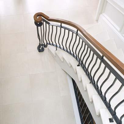 pietra_bianca hallway